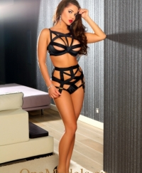 Amira Female escorts United Arab Emirates