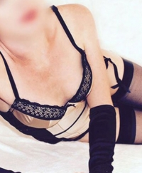 Scarlet Female escorts United Kingdom
