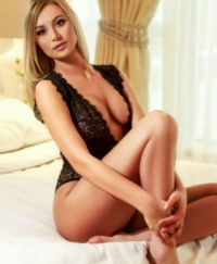 Evie Female escorts United Kingdom