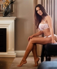 Lucia Female escorts United Arab Emirates